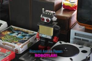 eskici siyah robot oyuncak